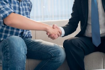"""השקעות פיננסיות שגברים אוהבים – כל נדל""""ן, ביטקוין ועוד"""